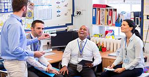 Deneyimli bir öğretmen, çalışmalarını öğrencilerle yirmi yıldan fazla süren motivasyonlarını paylaşıyor.