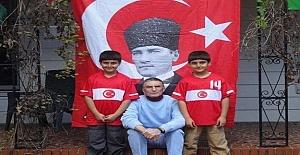 ÖĞRETMENLER DOKTORLAR KADAR MAAŞ ALMALIDIR!