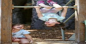 Dışarıda oynamayı ihmal eden çocuklar daha stresli, karamsar ve daha az dikkat çeken çocuklar.