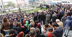 Bugün Yüzlerce Öğretmen Adliye Önünde Toplandı