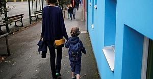 Fransa'sız Çocukların Zorunlu Okula Başlama Yaşı Üçe İndirildi