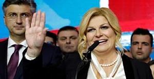 """Hırvatistan Cumhurbaşkanı """"Yolsuzluk Kültürü Okullarda Kopya Çekerek"""" Başlıyor"""