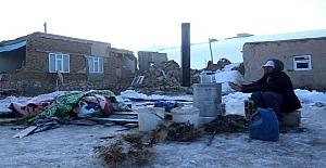 İran Sınırında Meydana Gelen Deprem Sonrası Özpınar Mahallesinde Sağlam ev Kalmadı