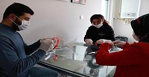 Sağlık Çalışanlarına Siperli Maske Üreten Bilim Sanat Merkezi Öğretmenlerimiz