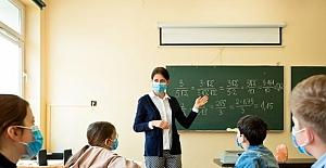 Bilim Kurulu Üyesinden Korkutan Açıklama: Vaka Artışı Bu Şekilde Devam Ederse Okulların Eylül Ayında Açılması Zor