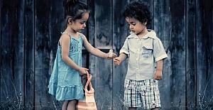 Çocuklarınıza İyi ve Ahlaklı İnsan Olmayı Öğretmek Öğretmenin Görevi mi?