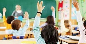 Okullar Açılmasın Diye Aşırı Tepki Veren Bir Kesim Var