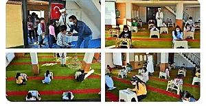 Bu İmam Alkışlanır: Namaz Vakitleri Dışında Kalan Sürede, Camiyi Sınıflara Dönüştürüyor
