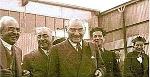 Atatürk'ün öldüğü 1938 yılının 10 Kasım günü, İstanbul Üniversitesinde ders okutan bir Alman profesörü