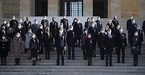 Bakan Selçuk, 81 İlden Öğretmenlerimizle Birlikte Anıtkabir'i Ziyaret Etti