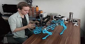 Lise Öğrencisi Öğretmeninin Desteğiyle, Robot Köpek Geliştirdi