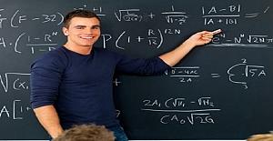 Öğrencilerin Öğretmenlerine Aşık Olması ?
