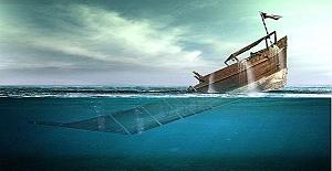 Öğretmen bir gün denizin ortasında batmak üzere olan bir geminin hikayesini anlatmaya başlar;