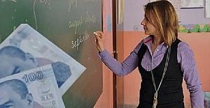 Öğretmen Maaşlarının Yetersizliği Gündem Konusunda Bir Numaraya Yerleşti