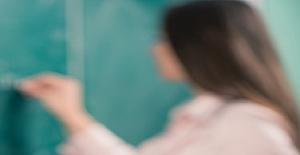 Öğretmenlik Mesleğinin İtibarı, Öğretmenleri Överek Yükseltilemez.