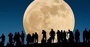 Mehtap hangi ay daha parlak yüzünü gösterecek?